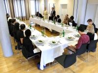 Etiketten und Knigge Optimal zu Tisch Kristin Faber Castell_17